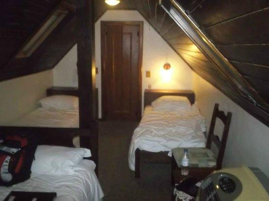 Hotel Azaléia: Quato 32 - apertadinho mas aconchegante