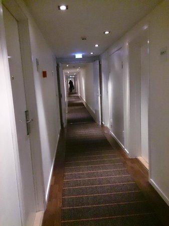 Imperial Hotel: lange koridorer