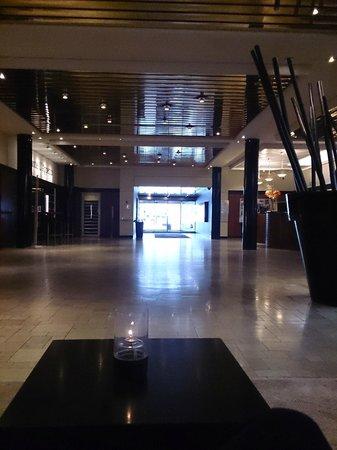 Imperial Hotel: stor å fin lobby