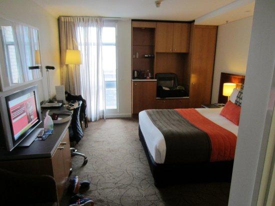 Mercure Brisbane King George Square : Upgraded room