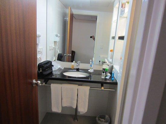 Mercure Brisbane King George Square: Bathroom