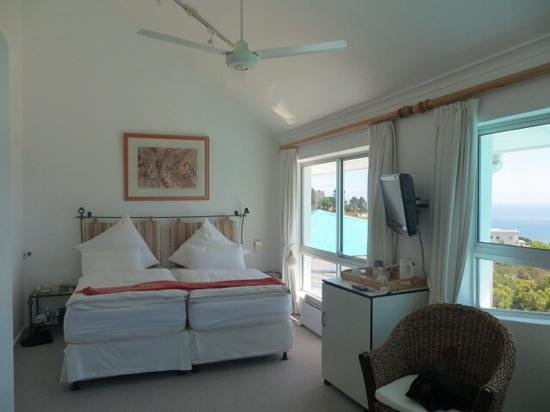 Diamond Guest House: dolphin sea view room