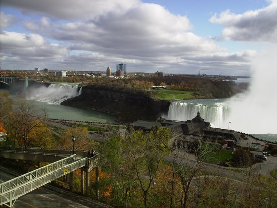 Niagara Falls Marriott Fallsview Hotel & Spa : The view from the room