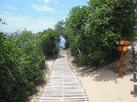 Dunes de Dovela eco-lodge: direction le bungalow