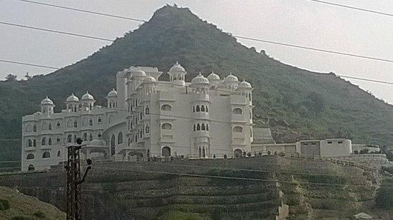 Bhairav Garh Palace: the best one (Y)