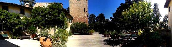 Castello Sonnino : The courtyard