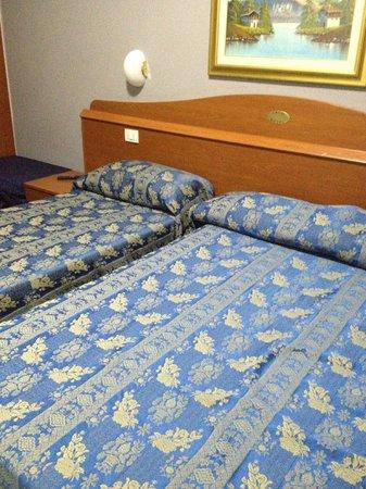 Arco Hotel: Chambre quadruple...