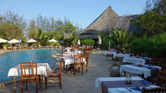 Spice Island Hotel Resort Zanzibar : Open-Air Buffet am Pool