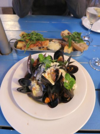 Fusion Restaurant: over cooked mussels