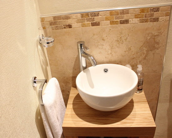 Pitcairn House: New en-suite basin room 3