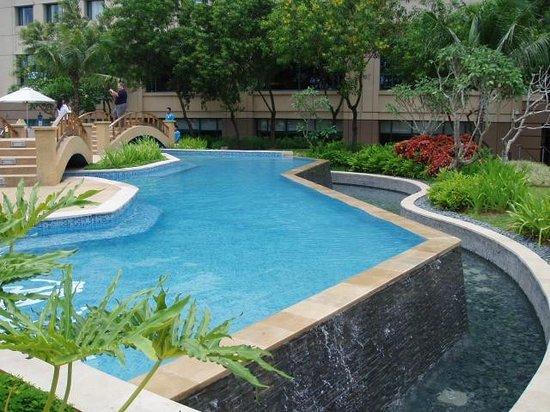 Two Level Pool Picture Of Radisson Blu Cebu Cebu City Tripadvisor