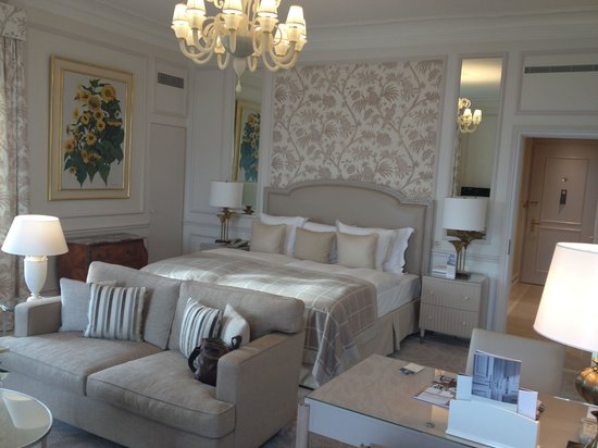 Beau-Rivage Palace: Una camera da sogno!!