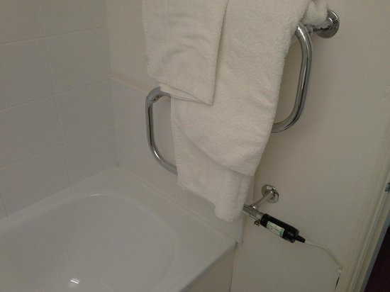 Rowley Manor Country House Hotel: Electrically heated towel rail over end of bath