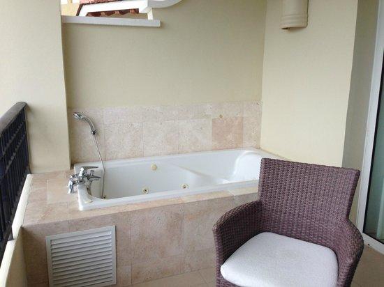 Now Larimar Punta Cana: Balcony Hot Tub