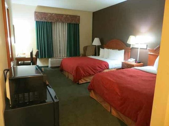 Country Inn & Suites By Carlson, Chicago O'Hare South: all rooms had microwave & refrig