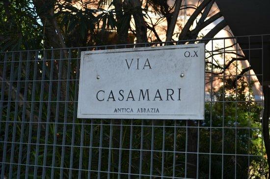 Il Giardino Casamari B&B: Straße