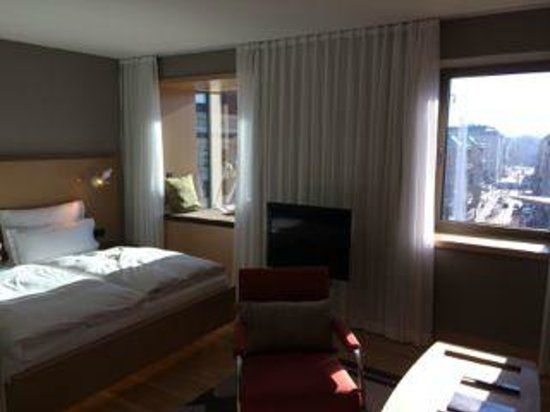 The Guesthouse Vienna: Ample size rooms for 280 Euro