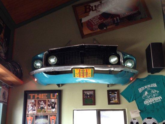 Cousin Vinny's: Car