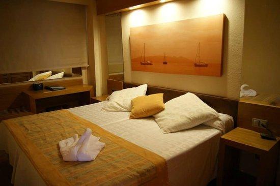 IBEROSTAR Suites Hotel Jardin del Sol: El dormitorio