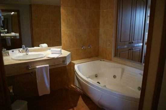 IBEROSTAR Suites Hotel Jardin del Sol: Jacuzy
