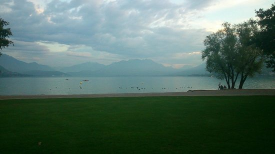 Hotel Le Flamboyant : Lac Annecy