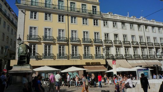 Lisbon Poets Hostel