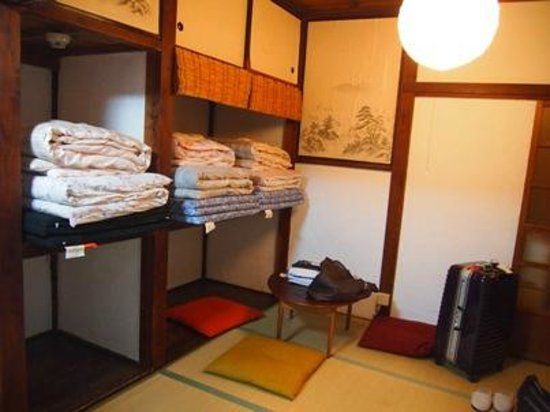 Taito Ryokan: Room 1: 3 Sets Of Futon (Japanese Sleeping Bed) On