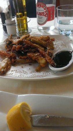 Restaurante Balneario La Magdalena: Verduras en tempura con salsa de ¿soja y miel?