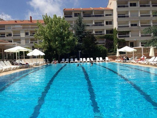 Ehden Country Club : Beautiful hotel! And a large swimming pool!