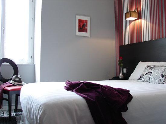 Hotel le charleston le mans bureau picture of hotel le