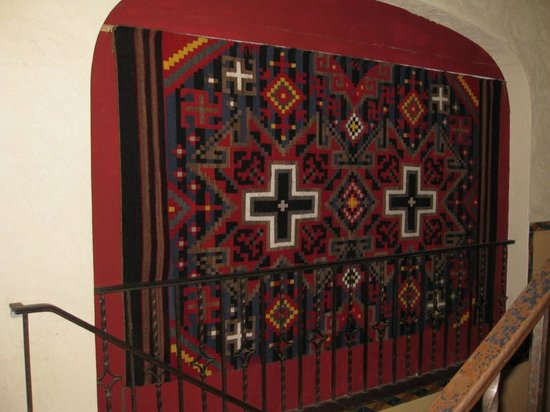 La Posada Hotel: Navajo and Mexican rugs throughout