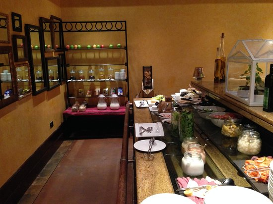 Bab Al Shams Desert Resort & Spa : Buffet