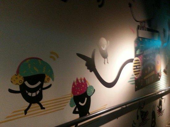 Mori Hostel: Awesome wall interior