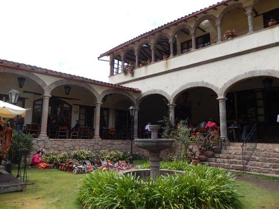 Tunupa Valle Sagrado : outdoor seating