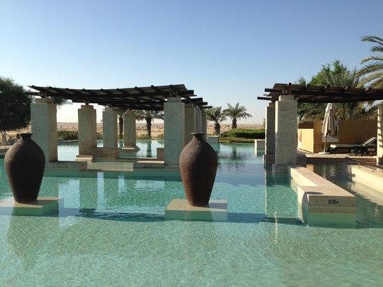 Bab Al Shams Desert Resort & Spa: Pool