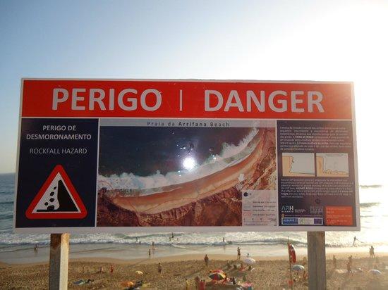 Arrifana Beach : sinaletica