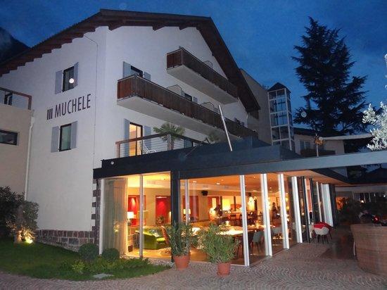 Hotel Muchele: Hotelansich vom Garten her