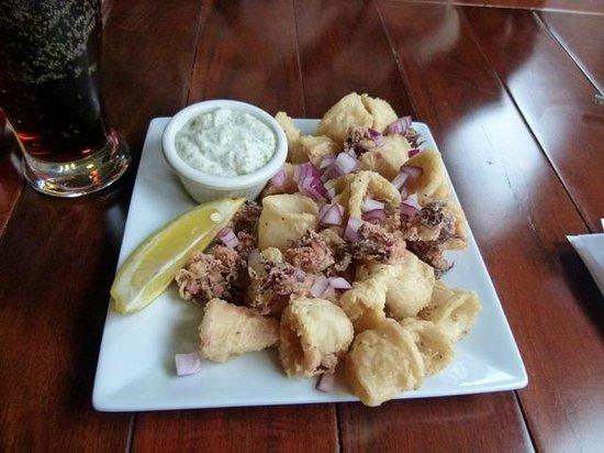 Ella Greek and Mediterranean Grill : Excellent excellent excellent calamari