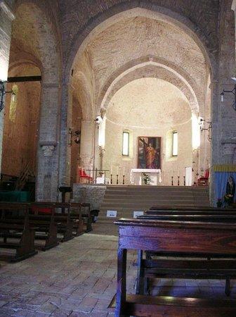 Serra San Quirico, Italien: Interno, navata centrale