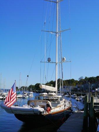 Belmont Inn : Yacht at Camden Harbor