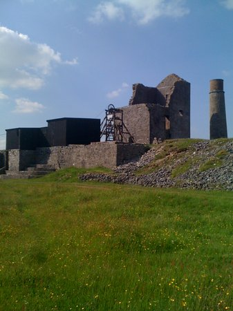 Sheldon's Retreat B&B Guesthouse: magpie mine in sheldon