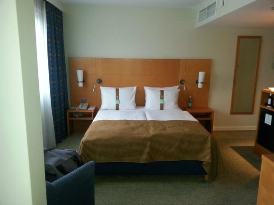 """Holiday Inn München - City Centre: """"business"""" room: Holiday Inn City Centre Munich"""