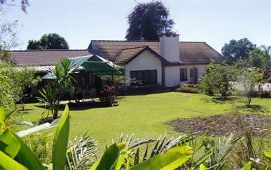 Katuba Guest House : Front of property