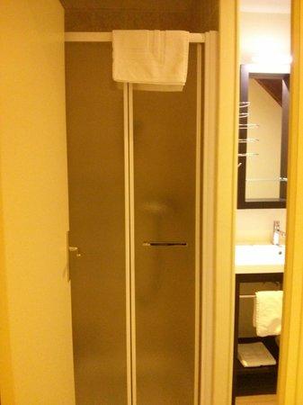 Auberge de la Baie : bathroom 1