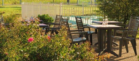 Couett'hotel Oloron Sainte Marie: Terrasse