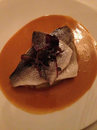 Les Saveurs Restaurant: Fillet of gilthead bream