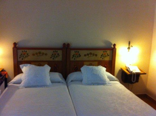 Hotel Don Carlos Caceres: Hab 209