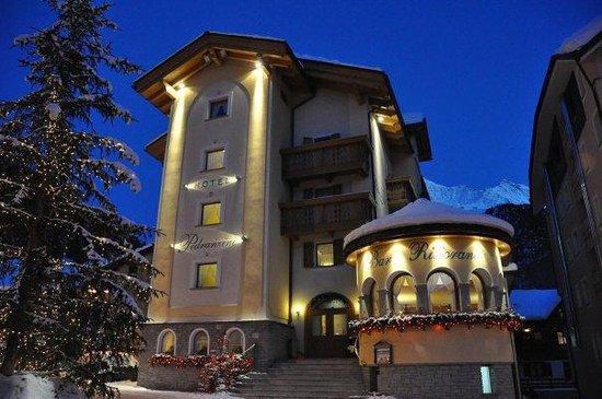 Hotel Pedranzini: Hotel in inverno