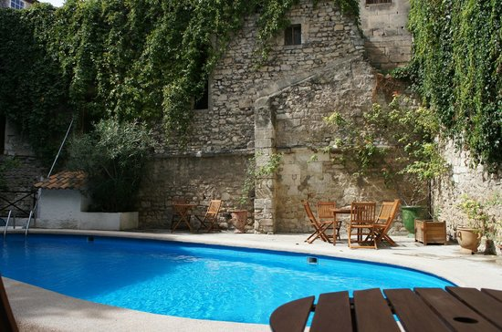 Hotel du Forum : inviting pool...