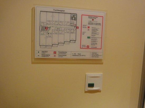 Gastehaus am RPTC : зеленая кнопка выключала красную